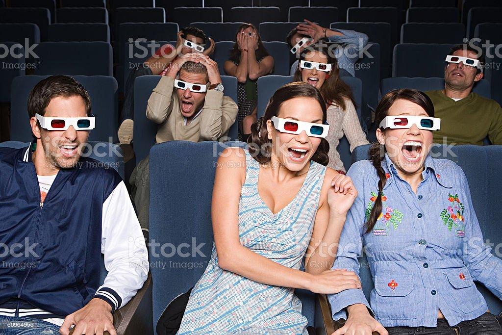 Menschen spannenden 3D-Kino – Foto