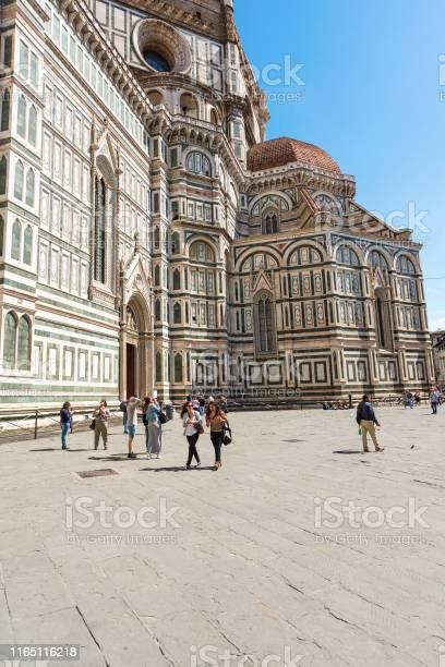 People who walking on piazza del duomo at cattedrale di santa maria picture id1165116218?b=1&k=6&m=1165116218&s=612x612&h=mrrrnsfjmy3uejblfzsstw e bopibh1 cyw5qcbn0w=