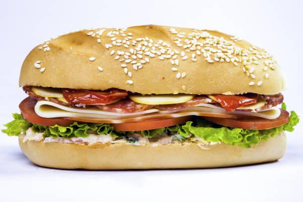 peperone sanduíche com queijo e salada - junk food - fotografias e filmes do acervo