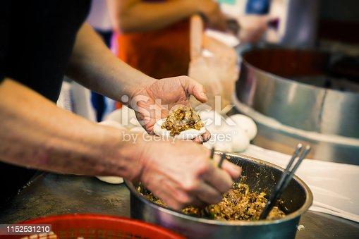 Preparing meat bun