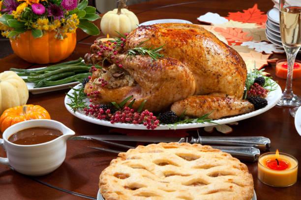 peper turkije voor thanksgiving - avondmaaltijd stockfoto's en -beelden