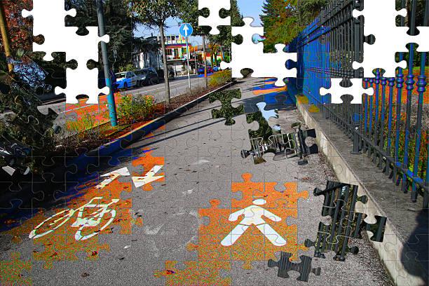 Percorso ciclabile con lavorazione puzzle Percorso ciclabile con lavorazione puzzle percorso stock pictures, royalty-free photos & images