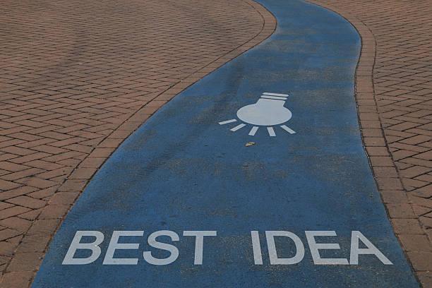 Percorso pedonale con indicazioni idea Percorso pedonale con indicazioni idea percorso stock pictures, royalty-free photos & images