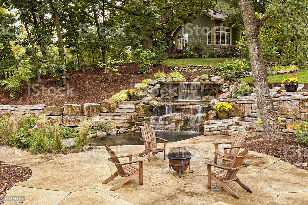 Perfekte Garten Landschaft - Lizenzfrei Adirondack-Stuhl Stock-Foto