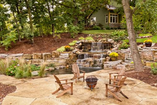 Perfekte Garten Landschaft Stockfoto und mehr Bilder von Adirondack-Stuhl