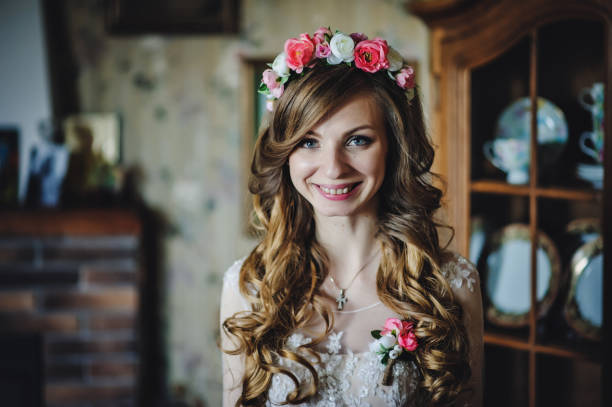 perfect fashion model woman with beautiful hairstyle and make-up. beautiful bride style. wedding girl in luxury wedding dress. - diadem stock pictures, royalty-free photos & images