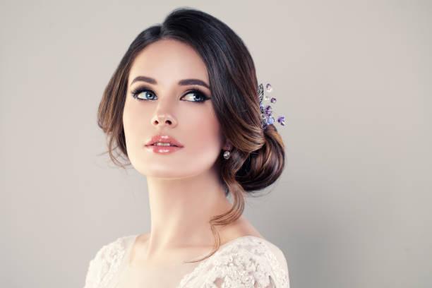 perfect fashion model woman z piękną fryzurą. prom lub bride girl - panna młoda zdjęcia i obrazy z banku zdjęć