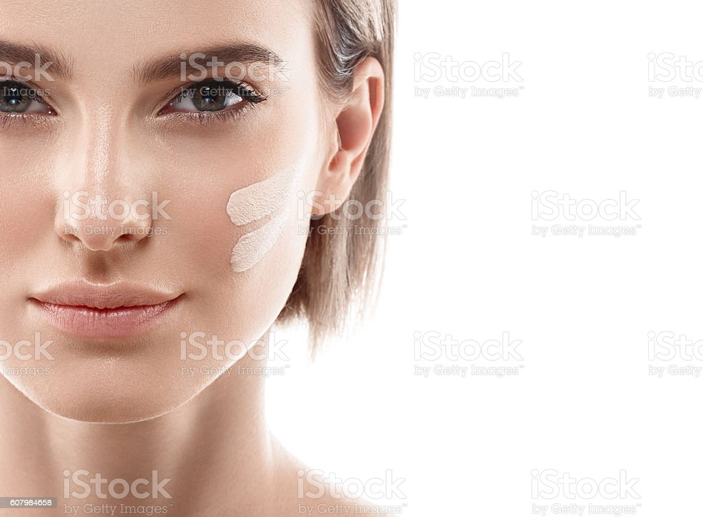 Perfect makeup. Skin tone cream lines on woman face. – Foto