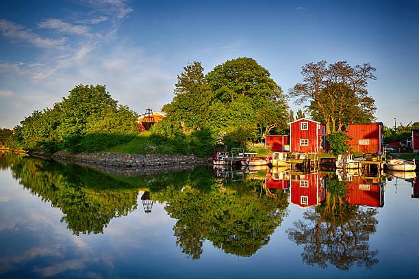 perfect reflection of canal in malmo - malmö bildbanksfoton och bilder