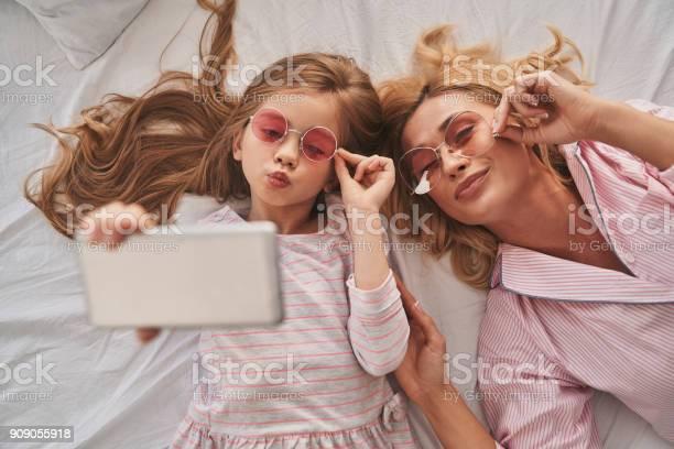 Perfect selfie picture id909055918?b=1&k=6&m=909055918&s=612x612&h=eekool7vxd  pw9muoxs1ljh0a0kazzzk0wycosnokk=