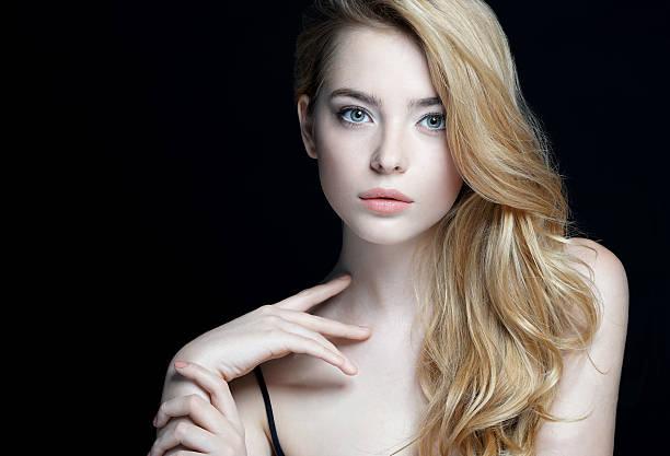Doskonałe skóra. Zbliżenie atrakcyjna dziewczyna – zdjęcie
