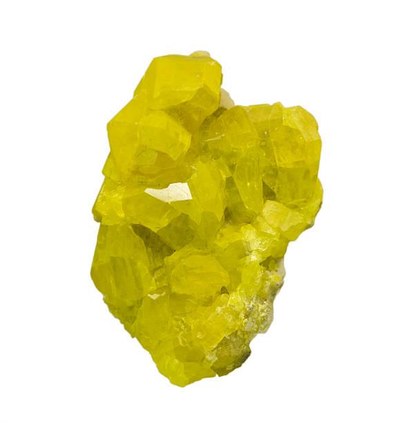 Perfekte sulphur Kristalle, isoliert auf weiß. – Foto