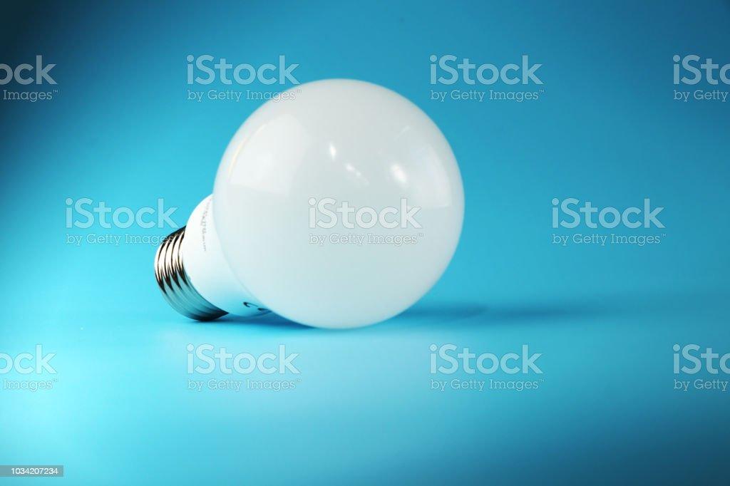 Led Un Parfait De Lunion Blanc Ampoule Et Photo Droit Libre W9ID2EH