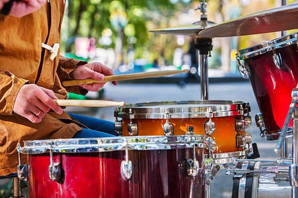 Performance von Straßenmusikern – Foto