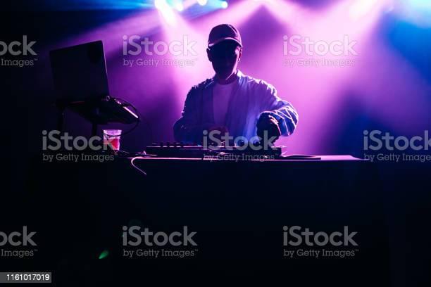 Performing music set with light display picture id1161017019?b=1&k=6&m=1161017019&s=612x612&h=0pm rvxpsjocx 6pd8kuuqbpuyoturskouwi4j6mc5e=