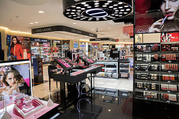 Perfume and cosmetic shop - foto de acervo