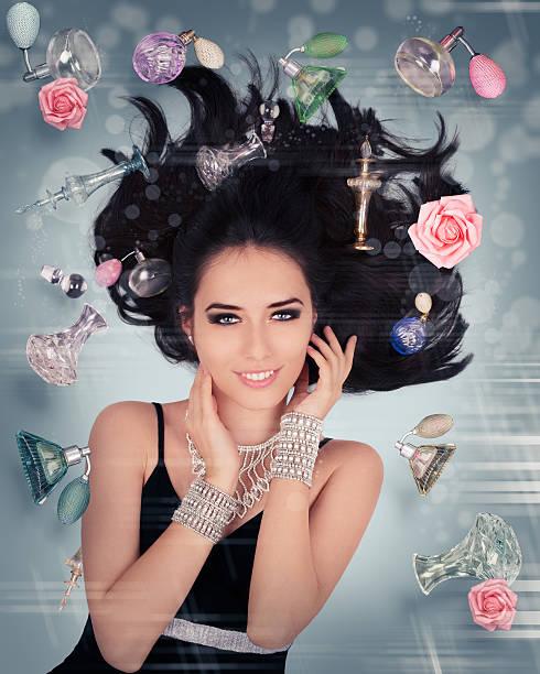 parfüm fantasy in der schwerelosigkeit - foto collage geschenk stock-fotos und bilder