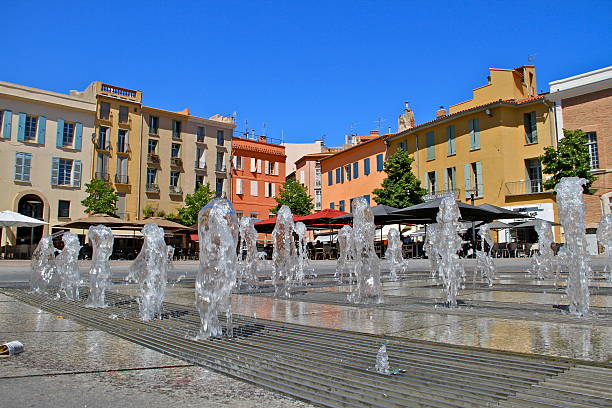 perpignan-place république - république photos et images de collection