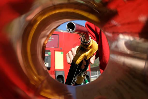 gas station - benzintank stock-fotos und bilder