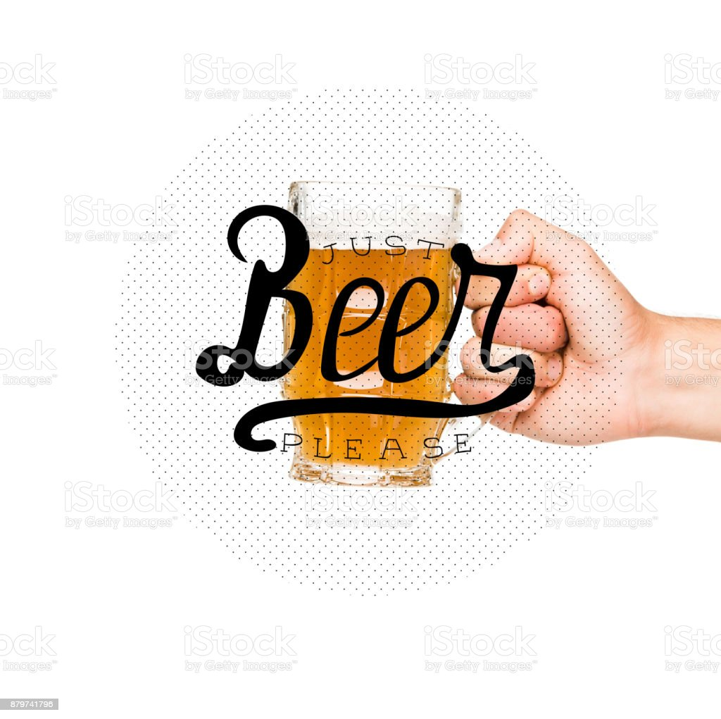 person holding glass of beer – zdjęcie