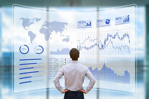 Person Using Futuristic Hud Interface Kpi And Bi Technology Data Foto de stock y más banco de imágenes de Actuación - Conceptos