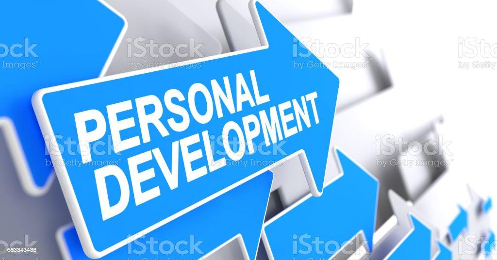 Desenvolvimento pessoal - etiqueta na seta azul. 3D - foto de acervo