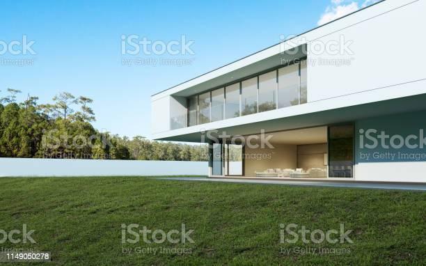 Perspektive Des Modernen Luxushauses Mit Pool Und Rasenplatz Im Alltag Idee Der Minimalen Architektur Design 3drendering Stockfoto und mehr Bilder von Architektur