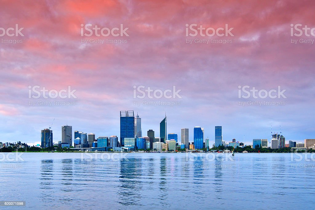 Perth Skyline Panoramic at Sunset foto de stock royalty-free