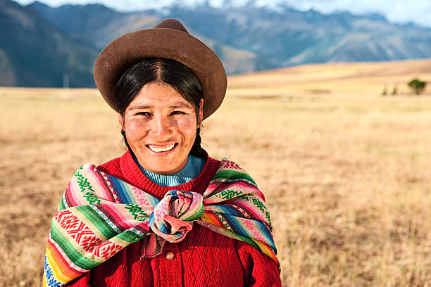 Peruvian woman wearing national clothing, The Sacred Valley, Cuz  peruvian culture stock pictures, royalty-free photos & images