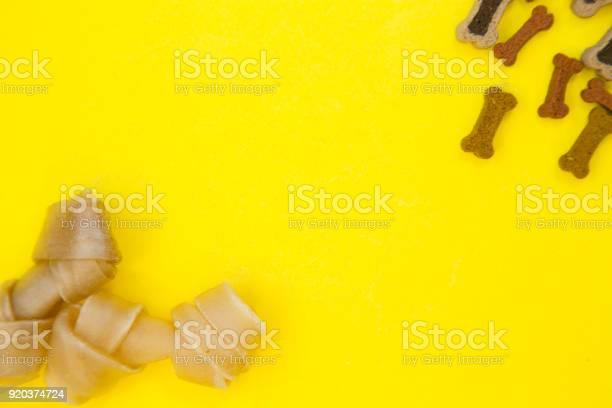 Pet food and snacks picture id920374724?b=1&k=6&m=920374724&s=612x612&h=fbbxnebhj tkrmmpe4b6ybrq aidylmsk5vemkw pms=