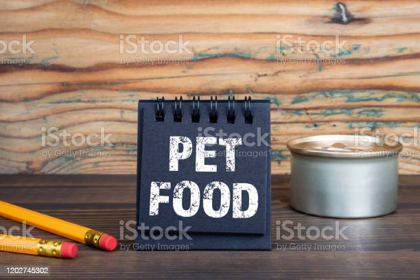 Pet food family members friends cares and relationships picture id1202745302?b=1&k=6&m=1202745302&s=612x612&h=ydvkiwc na sh0ewgx72u hut9oa90eevhow get5nw=