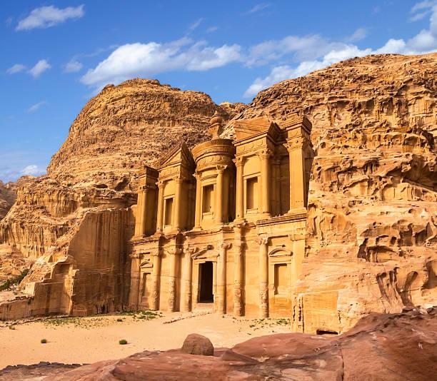 palais de petra jordanie - jordan photos et images de collection