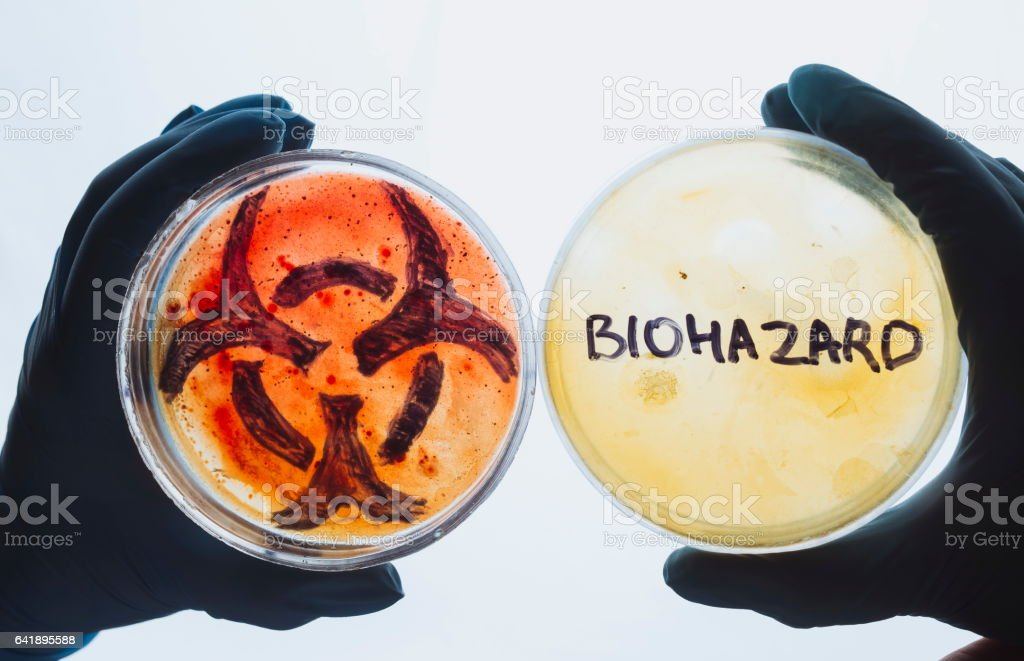 Petri dishes with biohazard word and symbol – Foto