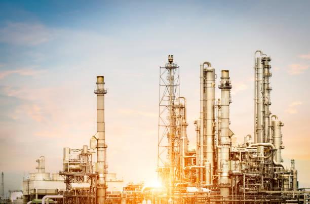 Petrochemische Anlage am Morgen – Foto