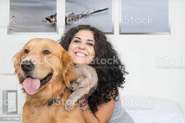 Pets and owner picture id171577268?b=1&k=6&m=171577268&s=612x612&h=i3jwvbonijzealucnmy6rkltsoivcwnu1orua9wlygc=