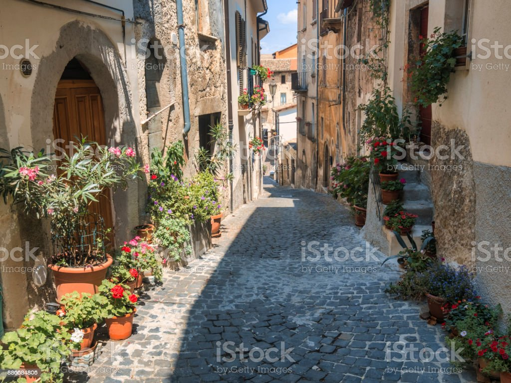 Pettorano sul Gizio (Abruzzi, Italy), historic village – zdjęcie