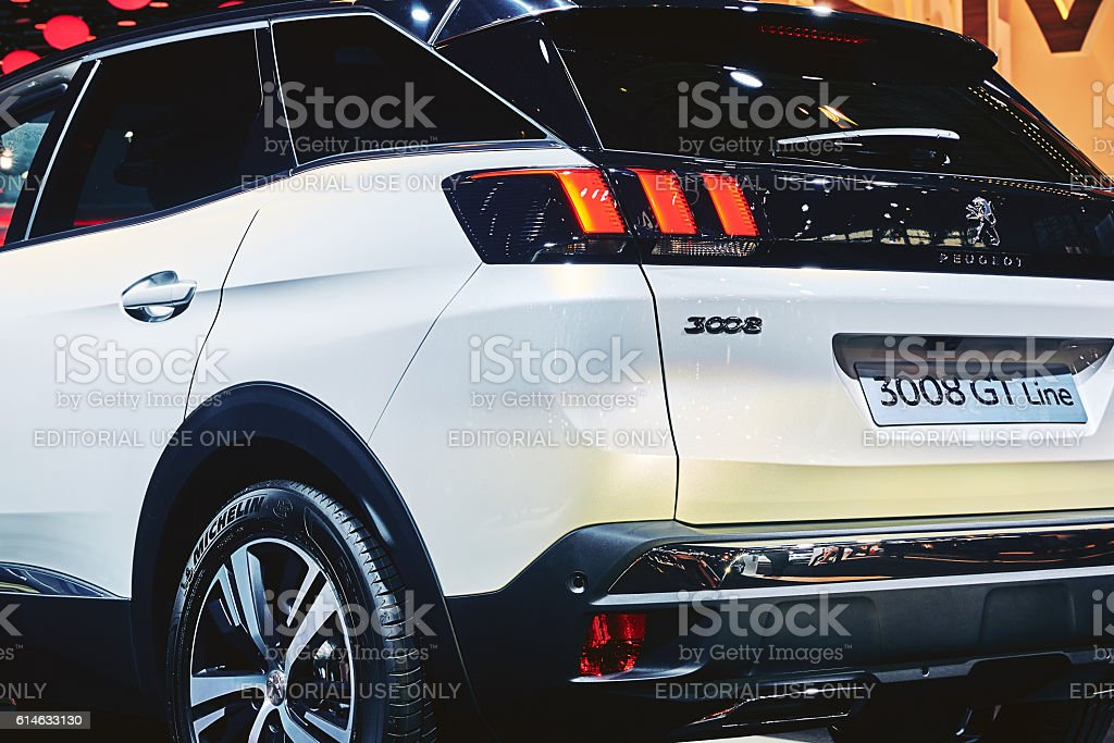 2017 peugeot 3008 gt line fotograf a de stock y m s im genes de actuaci n conceptos istock. Black Bedroom Furniture Sets. Home Design Ideas