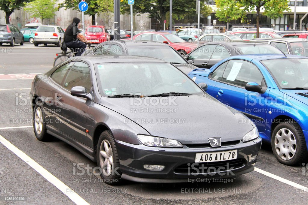 Peugeot 406 Coupe Stock Photo Download Image Now Istock