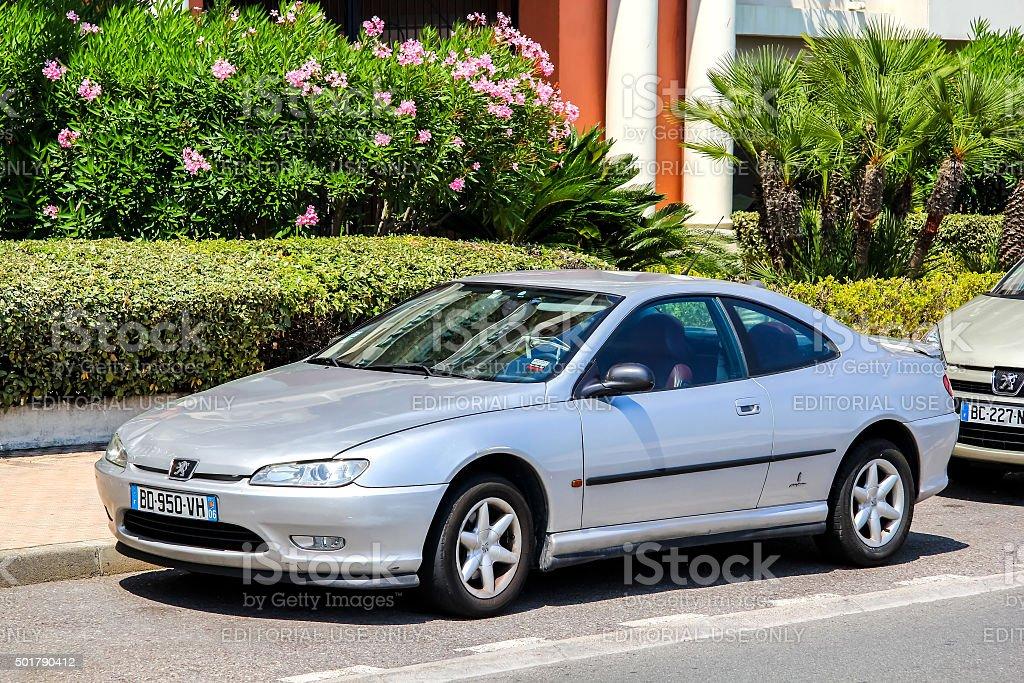 Foto De Peugeot 406 Coupe E Mais Fotos De Stock De 2015 Istock