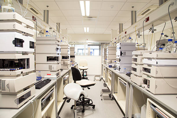 Pharmaceutical laboratory Research laboratory, no people, clean white, horizontal cleanroom stock pictures, royalty-free photos & images