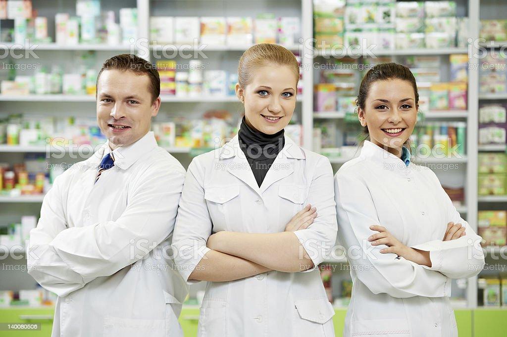 Apotheke Chemiker team Frauen und Mann in Drogerie – Foto