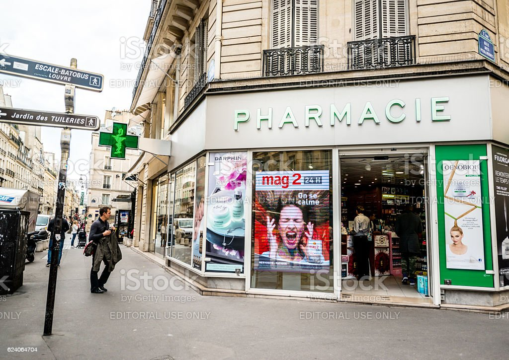 Pharmacy in Paris, France – Foto