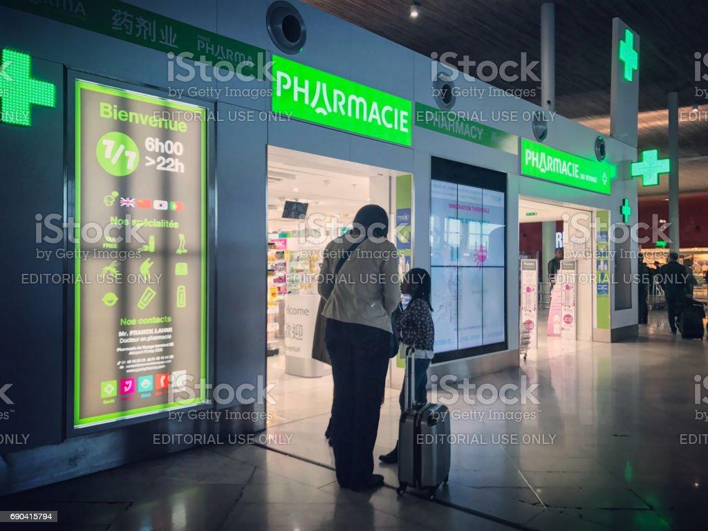 Pharmacie à Roissy Charles de Gaulle Airport, Paris, France - Photo