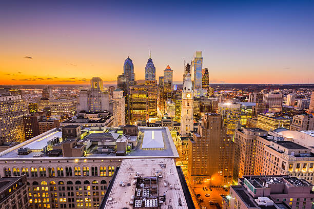 philadelphia, pennyslvania skyline - philadelphia skyline stock photos and pictures