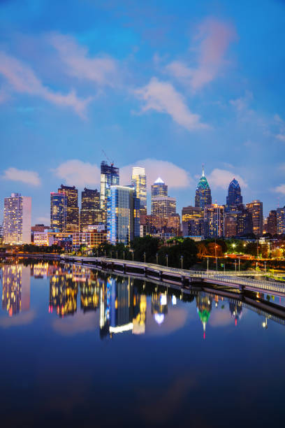 philadelphia skyline at night - philadelphia skyline stock photos and pictures