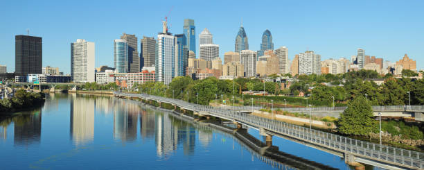 philadelphia skyline panorama - philadelphia skyline stock photos and pictures