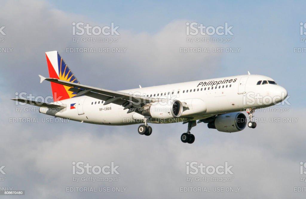 Un atterrissage en Airbus A320 Philippines airlines à l'aéroport International d'Auckland - Photo