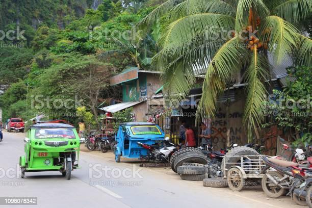 Philippines tricycle taxi picture id1098078342?b=1&k=6&m=1098078342&s=612x612&h=a8xssujmj8g5q8y aigxgkgir6voghgc0tdajlgtzhm=