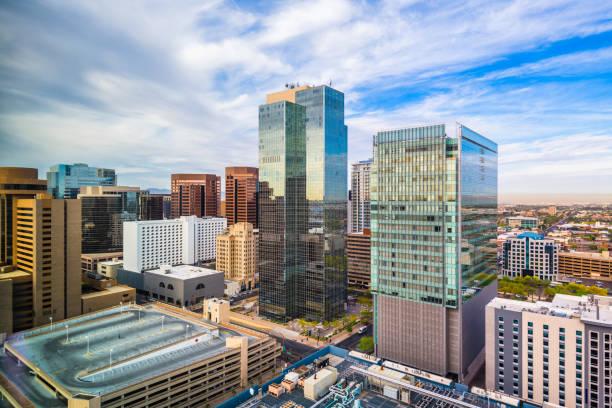 феникс, аризона, сша городской пейзаж - деловой центр города стоковые фото и изображения