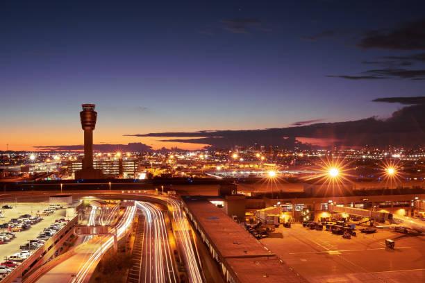 phoenix sky harbor international airport zag het aantal totale passagiers stijging met 2,1 procent in, 18 mei, in vergelijking met dezelfde maand een jaar eerder. - airport pickup stockfoto's en -beelden